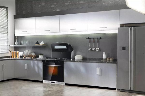 金属厨柜风厨房