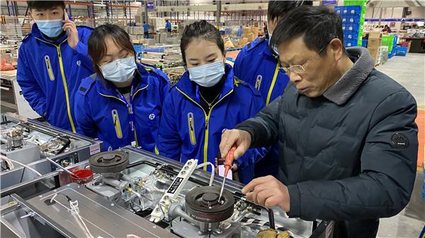 蓝炬星AIoT高端集成灶|打造有温度的品质服务