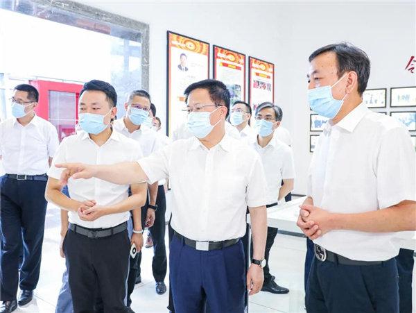 郑省长对亿田在助力发展当地经济乃至中国整体经济上的成绩给予高度评价